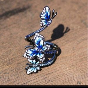 HP!! NWT Silver Blue Beautiful Butterfly Ring 6!